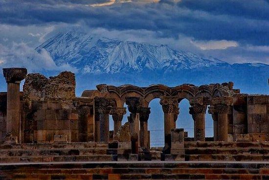 Tour di gruppo: Echmiadzin