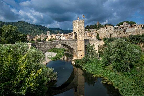 Dagtrip met kleine groep naar middeleeuwse dorpen vanuit Barcelona