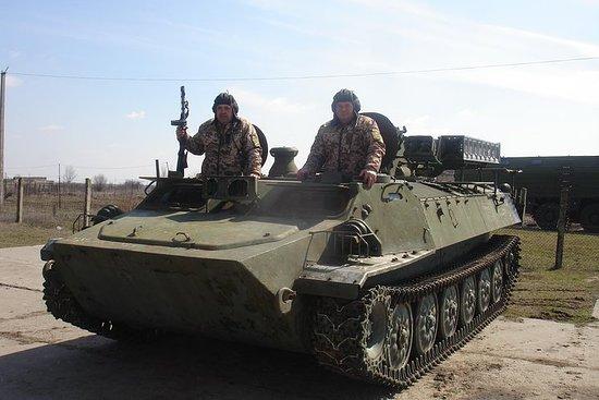 Visite militaire de la piste...