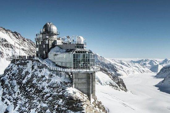 チューリッヒからスイス・アルプス山脈への日帰り旅行:ユングフラウヨッホとベル…