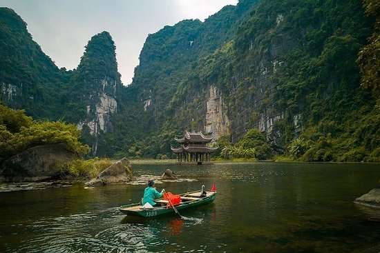 All-Inclusive 1 Day Trip: Hanoi - Hoa...