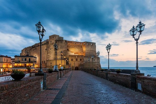Transfer from Port, Train St./ Airport / Hotel in Naples to the city or reverse – fotografia