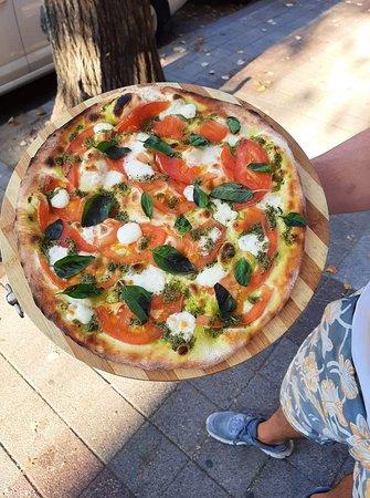 Pizza Capreze