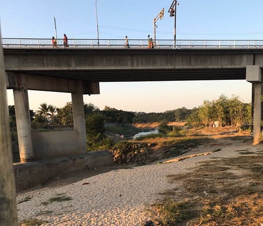 Thai-Myanmar Friendship Bridge (Mae Sot)