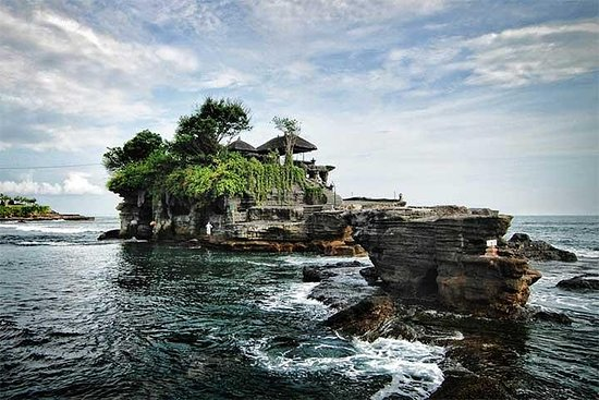 Tanah Lot Uluwatu Half Day Tour