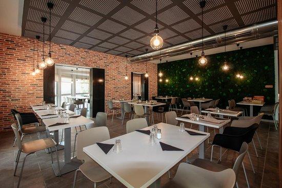Bar de notre restaurant ! - カオール、Ibis Cahorsの写真 - トリップアドバイザー