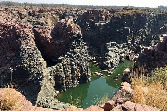 תמונה מRaneh waterfall Khajuraho (motorcycle tour)