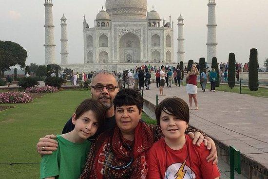 从德里出发的泰姬陵火车之旅