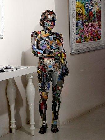 סלרנו, איטליה: SimonBart Gallery (Salerno) Una bellissima galleria d' arte contemporanea, in via Roma. 🎨 