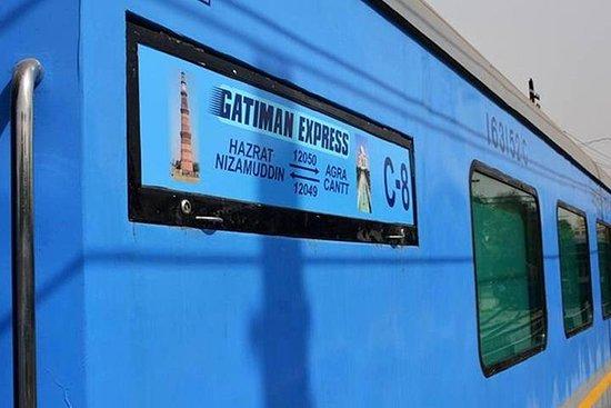 Фотография Full Day Taj Mahal Tour from Delhi by Gatimaan Express Train