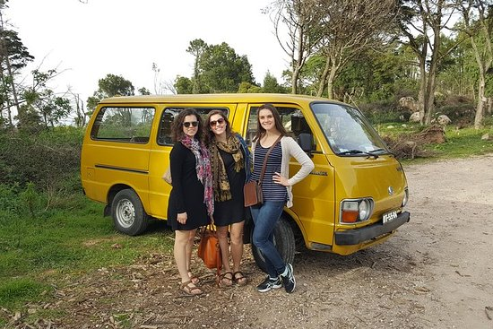 Private Sintra tour in classical van...