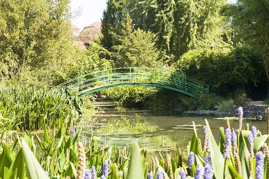 Giverny including Monet's Gardens and...