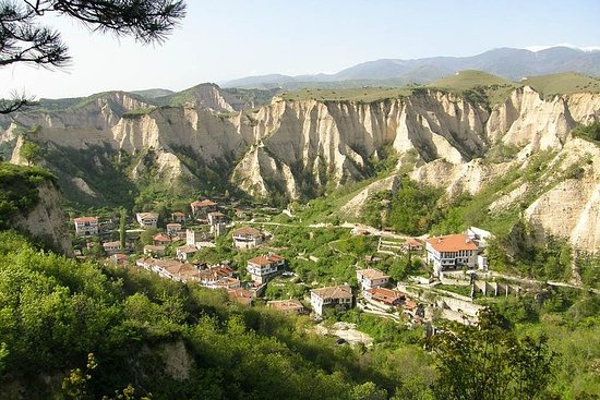小グループツアー:リラ修道院とメルニック