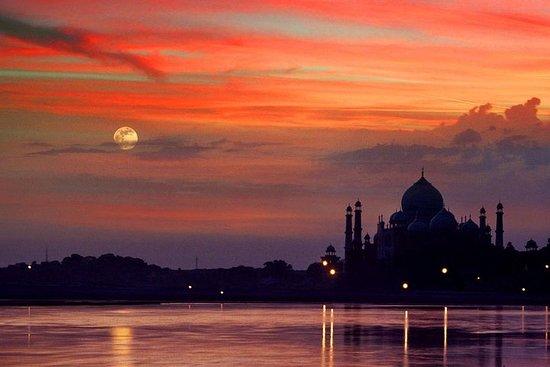 从德里开车的日出泰姬陵之旅