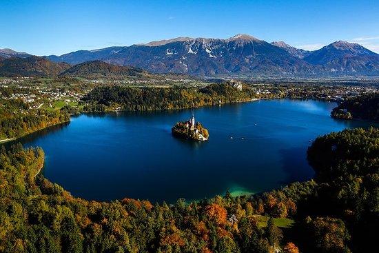 スロベニアでの1日:リュブリャナ出発ブレッド湖、ポストイナ鍾乳洞、プレジャマ…
