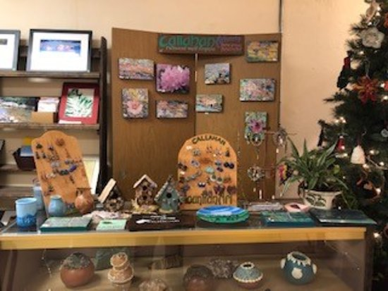 Richwood, WV: Handcrafted jewelry and prints.