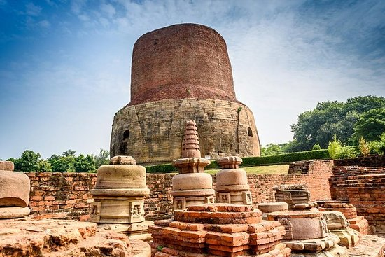 Foto Day Tour to Sarnath with Boating and Ganga Aarti