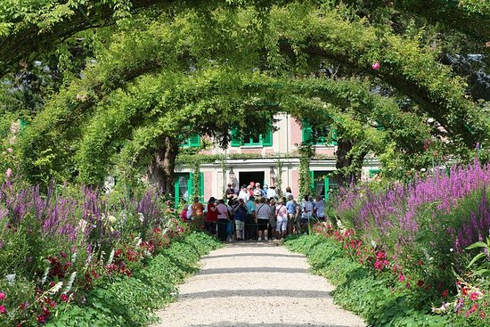 Paris to Giverny Round-Trip Shuttle & Entry Ticket To Claude Monet's...