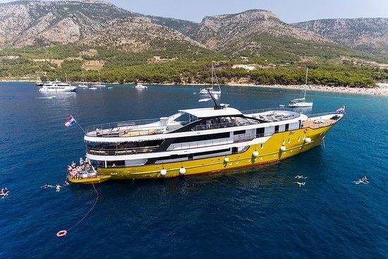 Crociera suprema da Spalato su uno yacht di lusso, m / s Arca