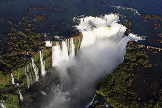 從布宜諾斯艾利斯乘飛機到伊瓜蘇瀑布的四日遊