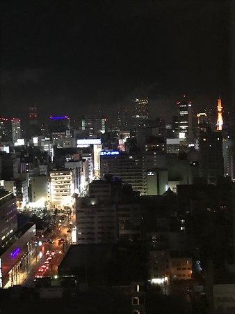 夜景です。ススキノがよく見えます。