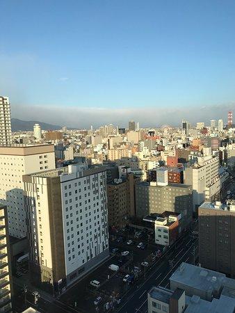 21階からの昼間の眺望。ススキノの観覧車が見えました。