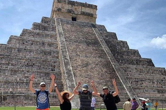 Tour classico di Chichen Itza, Cenote e Valladolid con pranzo