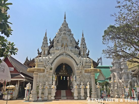Tour: 1 day visit Wiang Kum Kam (The lost city) + Lamphun (The City of Arts and Culture)  Itinerary: ✅Wiang Kum Kam, Chiang Mai ✅Wat Chamadevi, Lamphun Province ✅Statue of Queen Chamadevi ✅Wat Phra That Haripunchai ✅Lunch time ✅Wat Sanpayangluang ✅Hariphunchai National Museum 👉Included : Tickets, Transportation, English Guide, Lunch, Accident insurance. Contact us ; n_o_k_f_l_y@hotmail.com