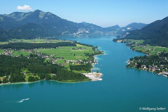 Private Tour: Austrian Lakes and...