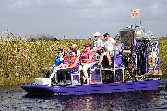 Gemeinsame Economy-Tour im Sumpfboot...
