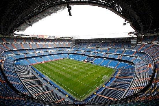 Entrada directa al estadio Santiago...