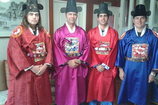 ソウル コンボ ツアー:キムチ作りと伝統衣装も体験できる文化遺産ツアー