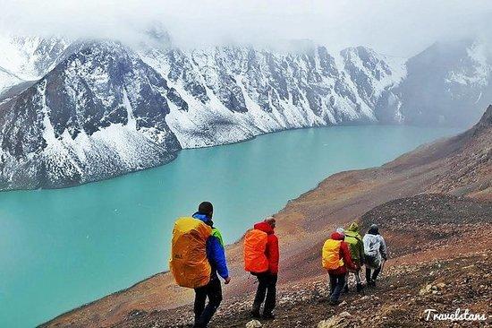 Ala-Kul Lake Trekking, himmelske fjell