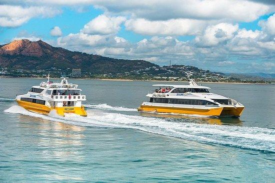 Ferry de ida y vuelta en isla magnética desde Townsville