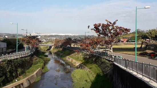 西湖自行車道龍洞溪