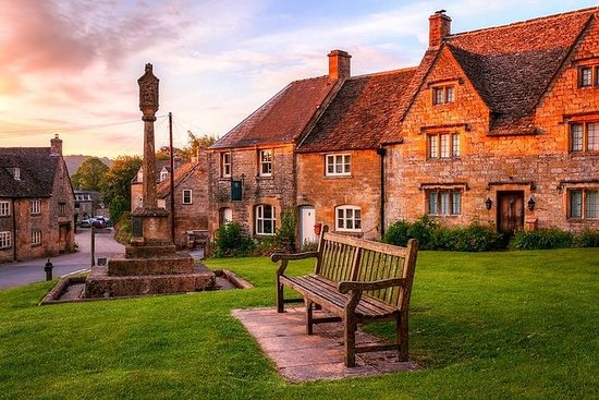 Private Guided Tour of the Cotswolds 'Off The Beaten Track' in a...