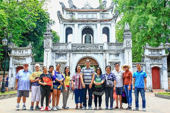 Small Group Half-day Tour at Hanoi City with Temple and Mausoleum Photo