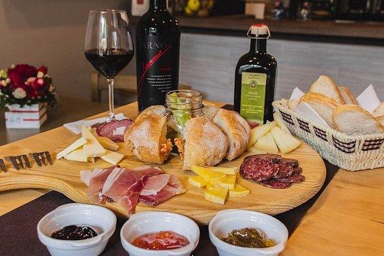 Visita gastronómica y vinícola de...