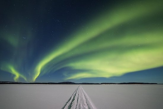 Aurora Hunting Safari to Lake Inari from Saariselkä, dinner in Aurora...