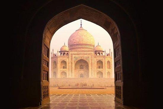 同日泰姬陵和阿格拉之旅从德里开车