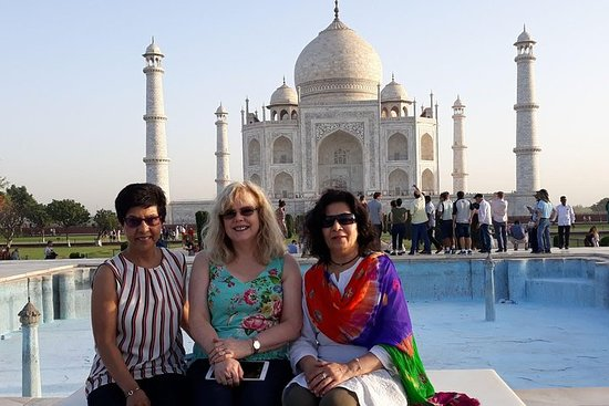 Private Full-Day Tour in Taj Mahal and...