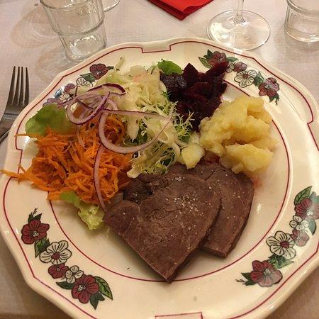 Il manzo arrosto con verdure