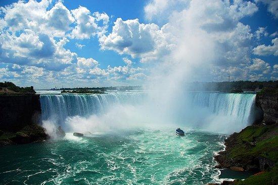Private tour to Niagara Falls and...