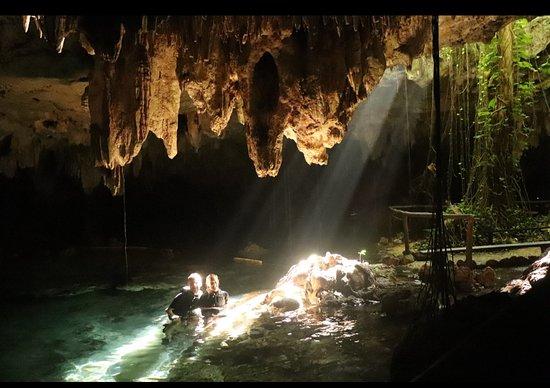 Snorkelling Tour in Cenote Caves Chaak Tun: Mitten in der großen Cenote