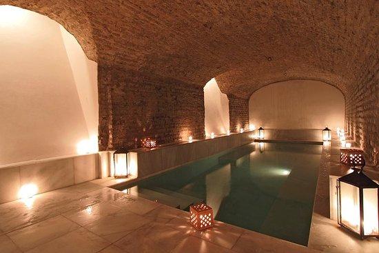 Stadtbesichtigung Sevilla und Eintrittskarte für Thermalbad