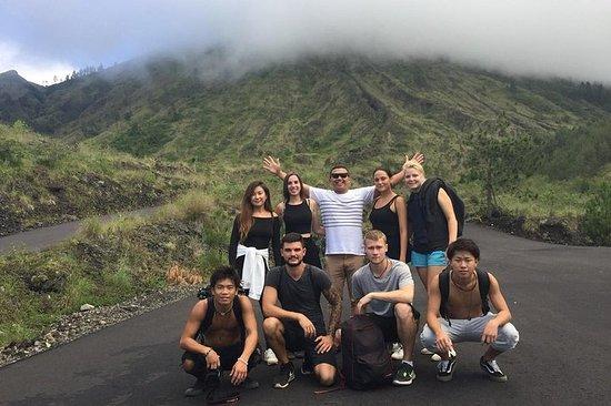 Excursão ao vulcão e ao templo de água...