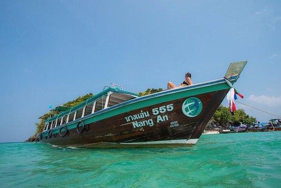 クラビ発伝統的な大きなロングテール・ボートで行く4つの島のツアー