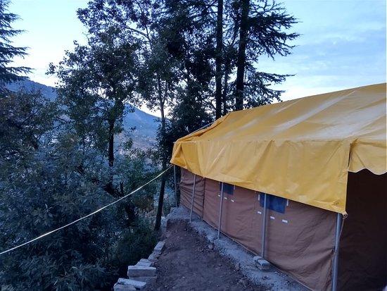 Chopta, Indie: View around Perfect Himalayan Camping and Trekking