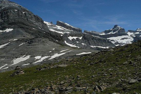 High Pyrenees Trek Adventure en...