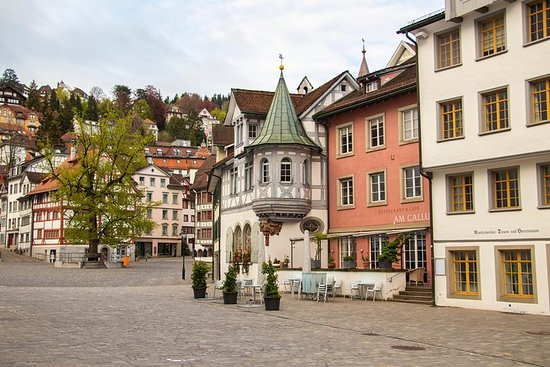 Historical Walk through St. Gallens Old Town with a Local